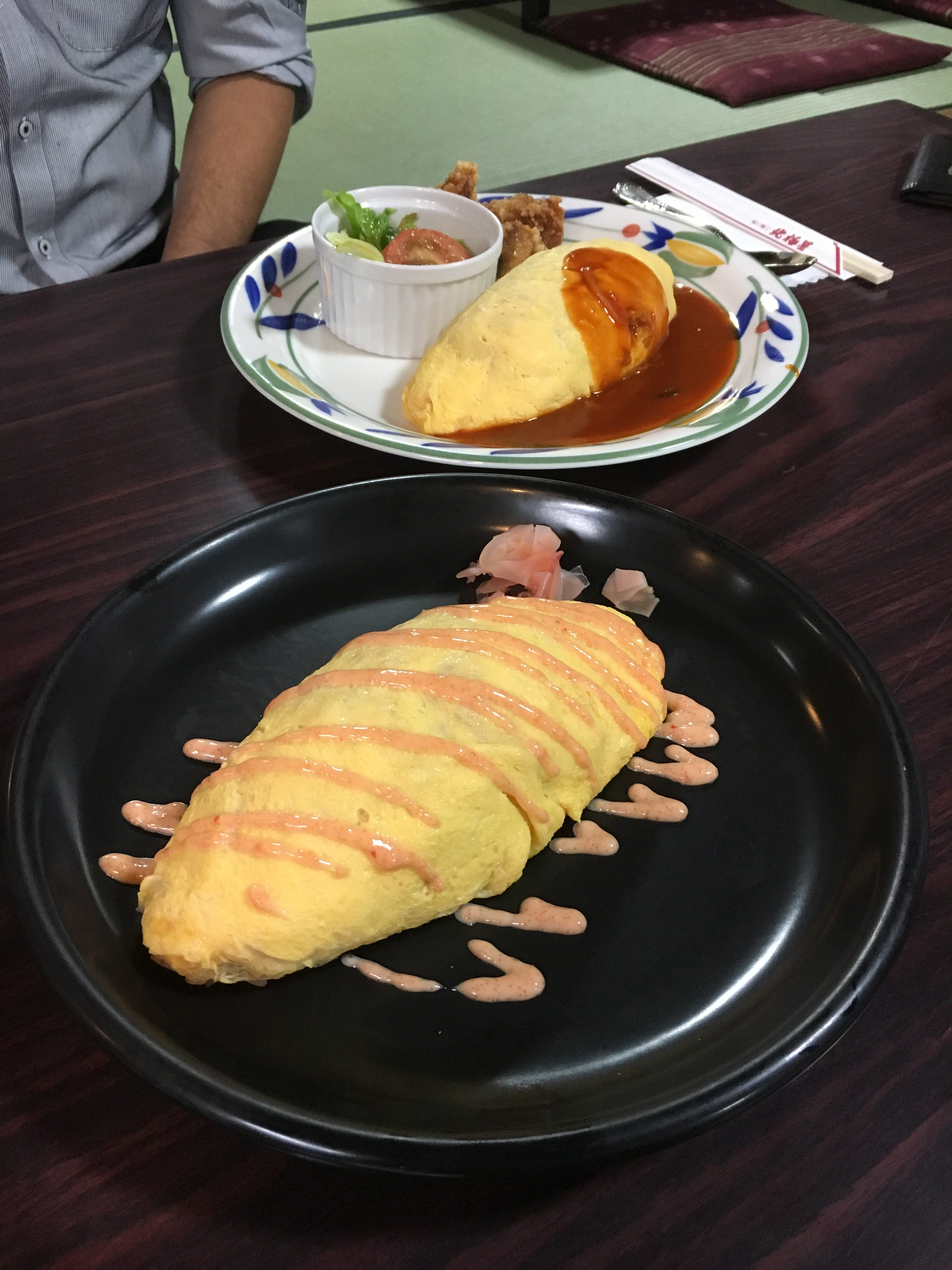 seafood omurice and regular omurice lunch sets with salad side dish
