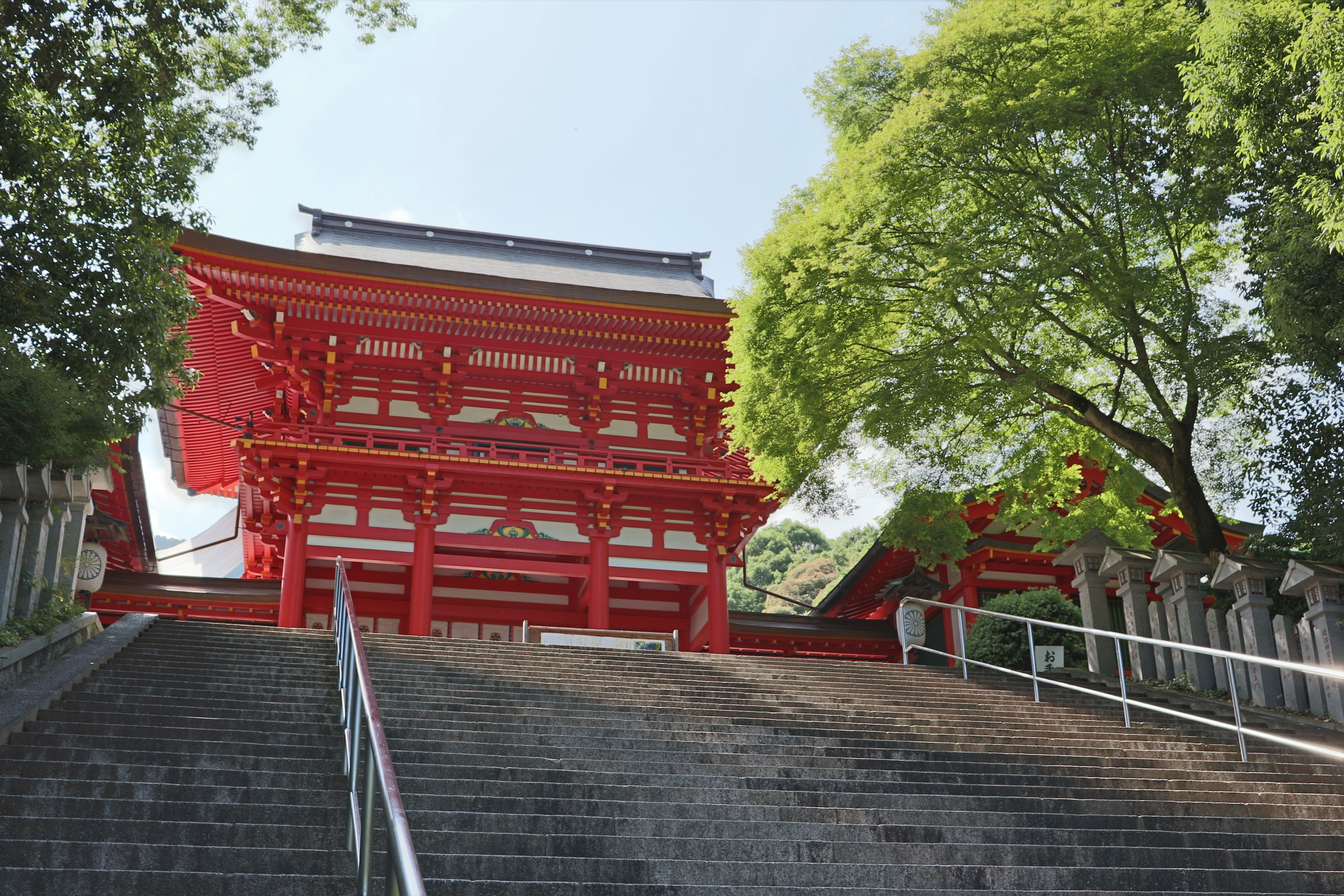 Bright red Romon Gate of Omi Jingu