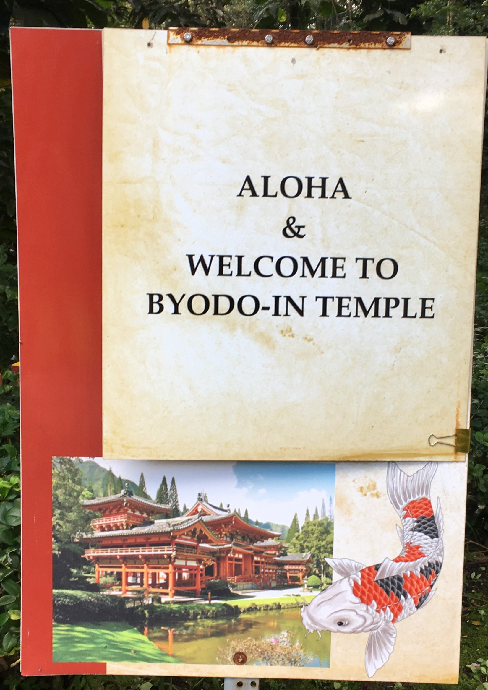 welcome sign for Hawaii's byodo-in temple