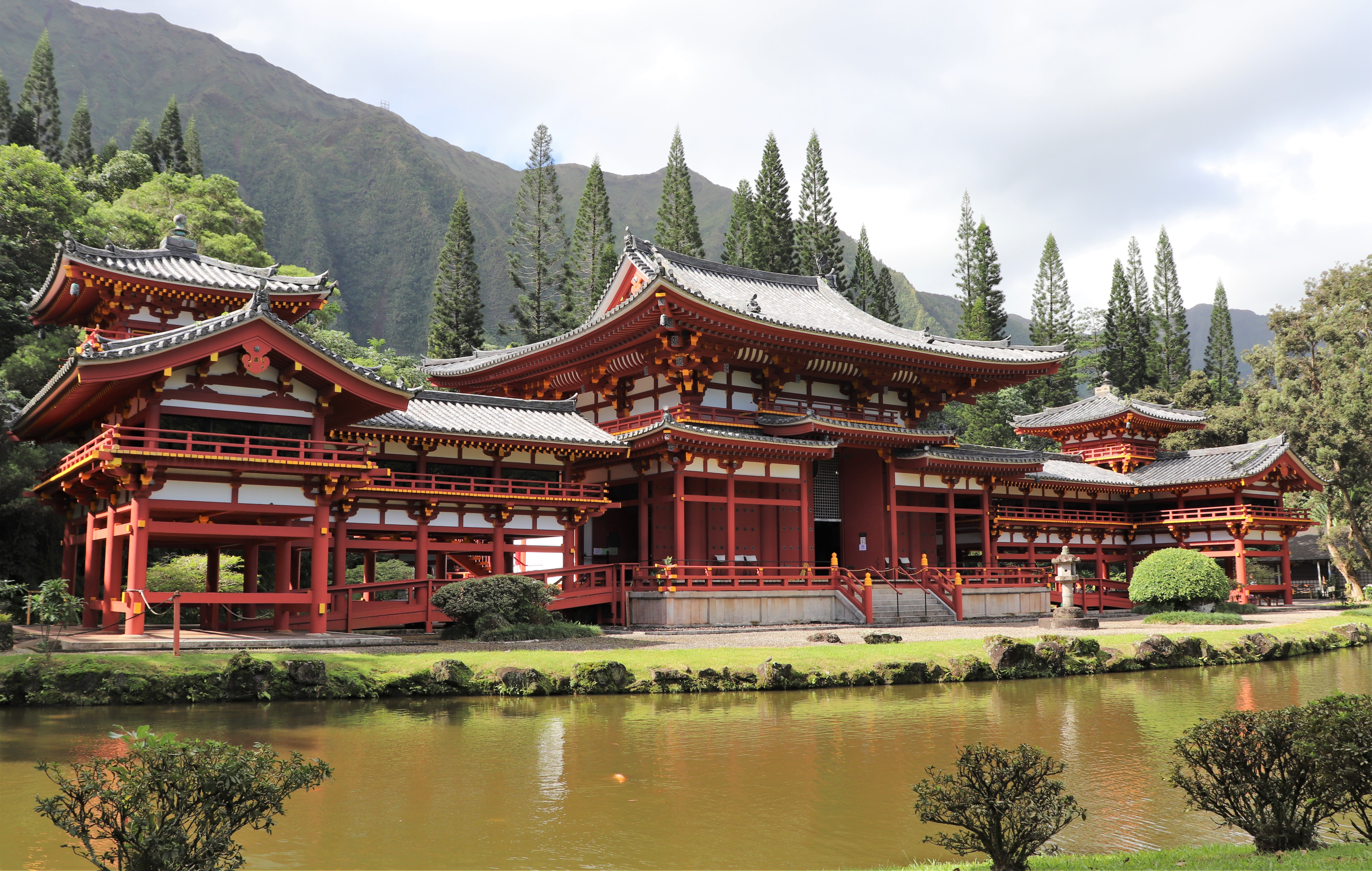 main hall of the Byodo-in Temple in Oahu