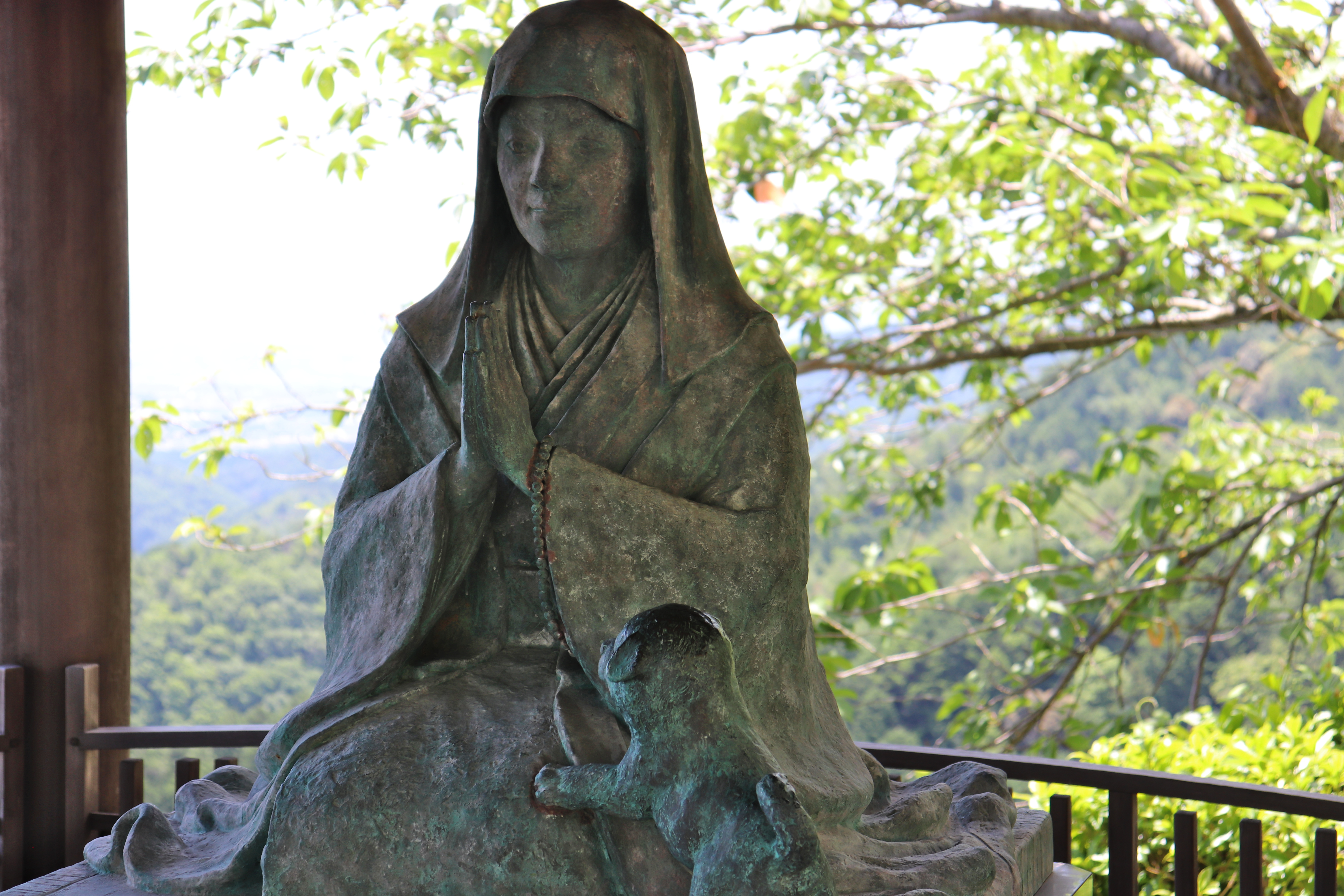 statue of keisho-in at yoshiminedera temple in Kyoto